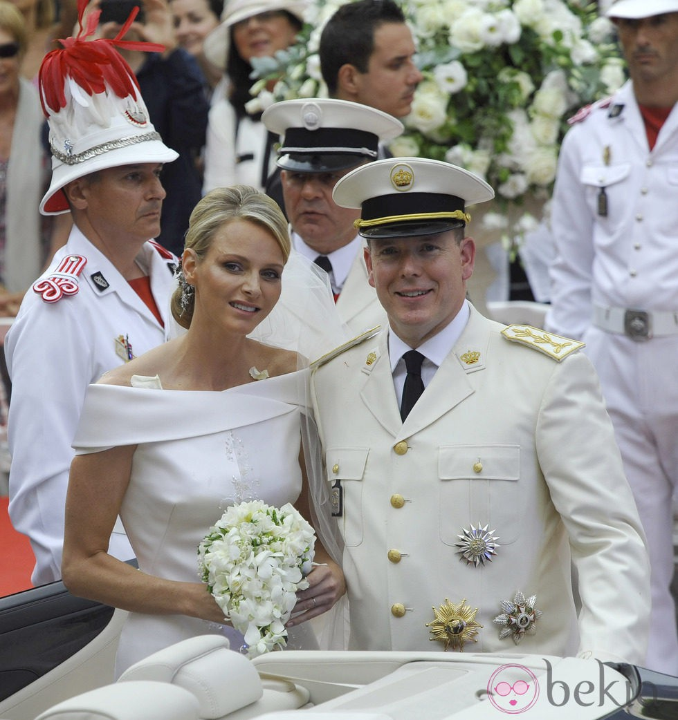 Charlene y Alberto de Mónaco tras su boda religiosa