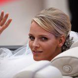 Charlene Wittstock saluda al pueblo convertida en Princesa de Mónaco