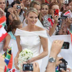 Los monegascos aclaman a Charlene Wittstock, su nueva princesa