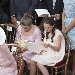 Las primas Alexandra de Hannover y Camille Gottlieb en la boda religiosa