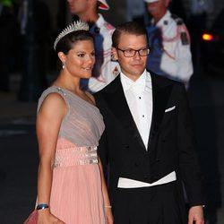 Daniel y Victoria de Suecia en la cena de gala tras la boda de Alberto de Mónaco