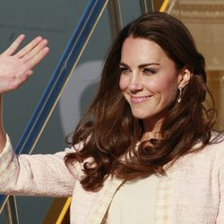 La Duquesa Catalina saluda a su llegada a Prince Edward Island