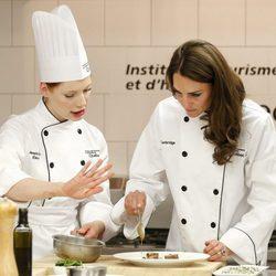Catalina de Cambridge aprende repostería en Québec