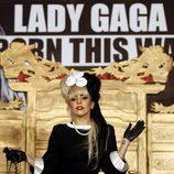Lady Gaga a lo 'Cruella de Ville' en Taiwan