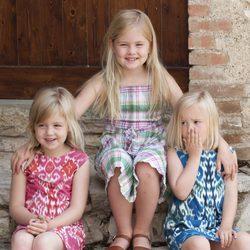 Las hijas de los Príncipes de Holanda durante sus vacaciones en Italia