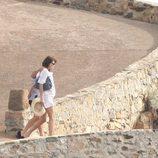 Una embarazada Carla Bruni junto a Nicolas Sarkozy en la Costa Azul