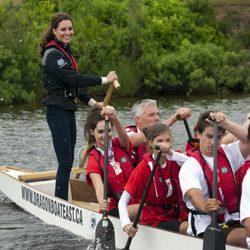 La Duquesa Catalina remando en Prince Edward Island