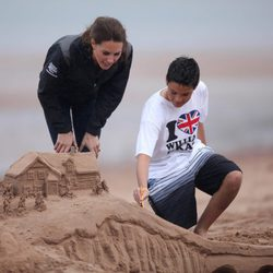 La Duquesa de Cambridge con un niño en Dalvay-by-the-Sea