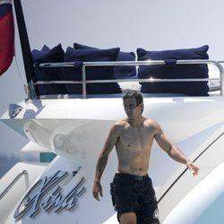 Rafa Nadal a bordo de un barco en Ibiza