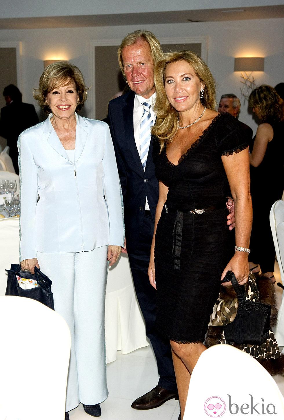 Laura Valenzuela, Matthias Kuhn y Norma Duval en los Premios Estrella de Oro