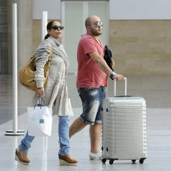 Isabel Pantoja y Kiko Rivera en la estación de tren de Torremolinos