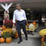 El presidente Barack Obama en busca de la calabaza perfecta
