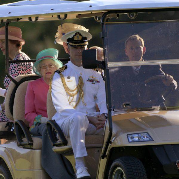 Visita oficial de Isabel II de Inglaterra y el duque de Edimburgo a Australia