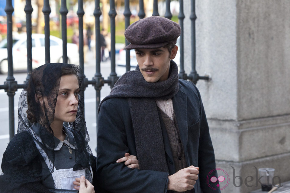 María León y Marc Clotet en 'La voz dormida'