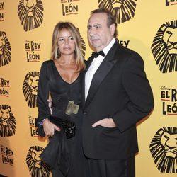 Pedro Trapote y Begoña Barcía Vaquero en el estreno del musical 'El Rey León' en Madrid