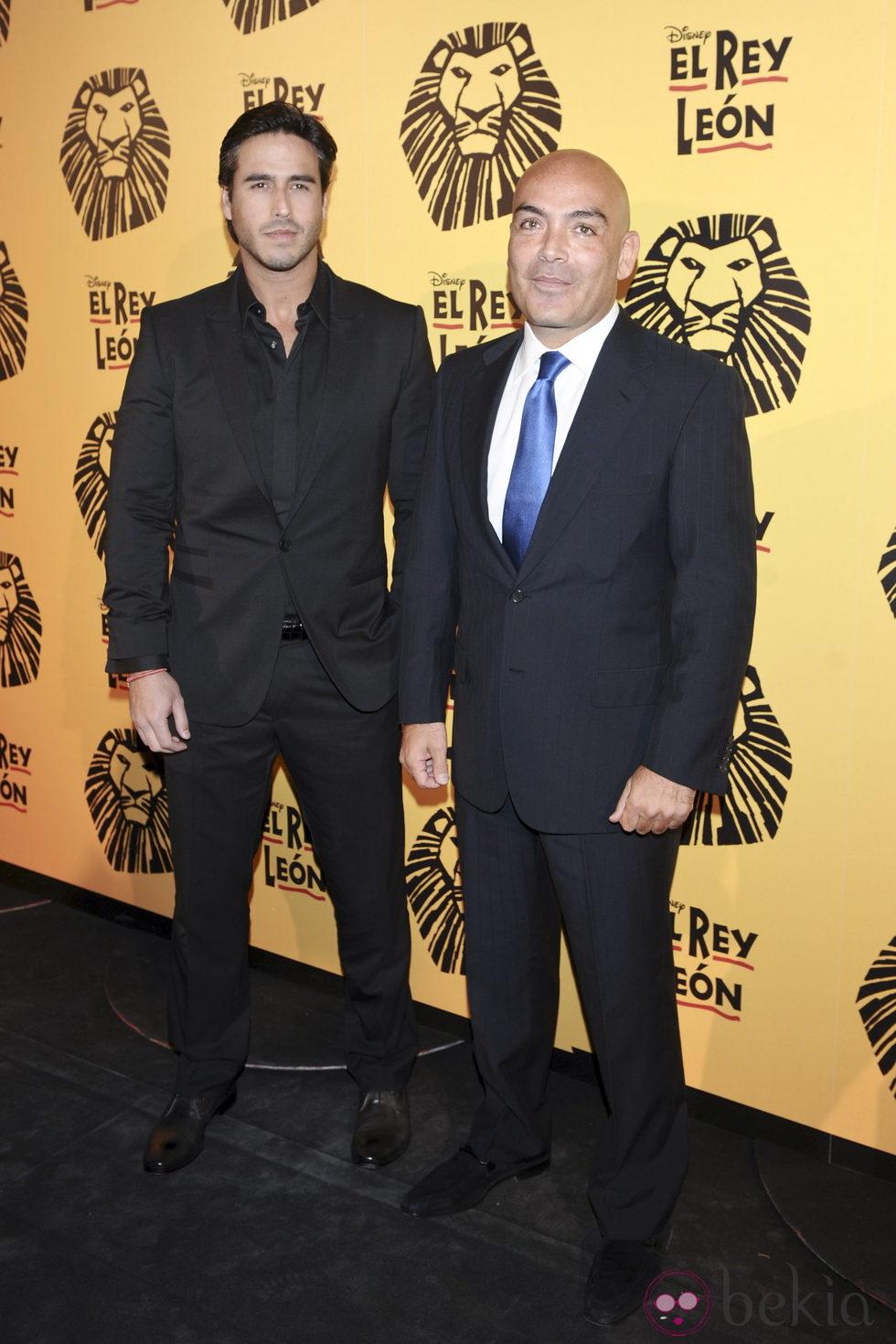 Raúl Olivo y Kike Sarasola en el estreno del musical 'El Rey León' en Madrid