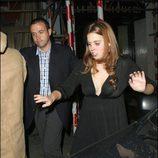 Beatriz de Inglaterra camina borracha por las calles de Londres