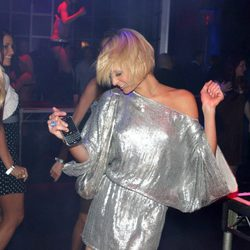 Paris Hilton baila borracha en Florida