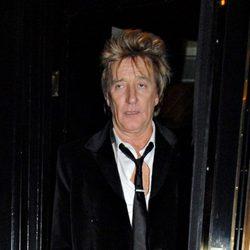 Rod Stewart borracho tras celebrar su cumpleaños en Londres
