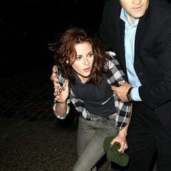 Kristen Stewart borracha por las calles de Nueva York