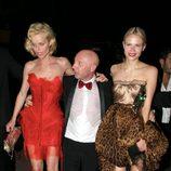 Eva Herzigova borracha a la salida de una fiesta en Cannes