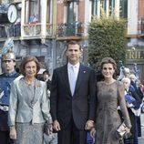 Los Príncipes Felipe y Letizia y la Reina Sofía en los Premios Príncipe de Asturias 2011