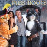 Salma Hayek y Antonio Banderas junto a los 'Gatos' en la premiere de 'El Gato con Botas' en Los Angeles