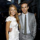 Blake Lively y Ryan Reynolds en la premiere de 'Linterna Verde'