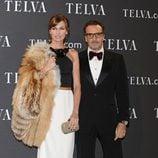 Nieves Álvarez y su marido Marco Severini en los Premios T de Moda de Telva 2011