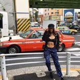 Bella Hadid en las calles de Japón