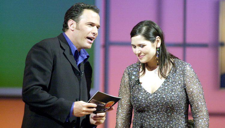 Rosa López y Carlos Lozano en la gala final de la primera edición de 'Operación Triunfo'