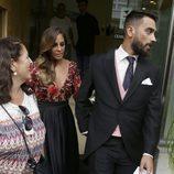 Anabel Pantoja y su novio Juanlu saliendo de la peluquería para ir a la boda de Kiko Rivera e Irene Rosales