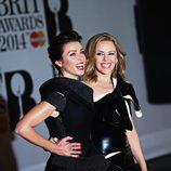 Kylie y Dannii Minogue en unos premios en 2014