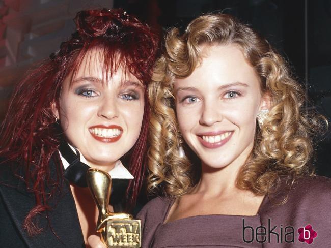 Dannii y Kylie Minogue en sus inicios