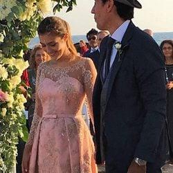 Anna, hija de Paz Padilla y madrina de la boda, junto a Juan Vidal