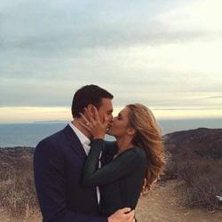 Ryan Lochte y Kayla Rae Reid se besan tras comprometerse