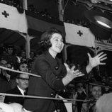 La Reina Sofía recibe una montera en una corrida de toros en Aranjuez