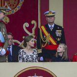 Los Reyes Felipe y Letizia, muy felices con la Princesa Leonor y la Infanta Sofía en el Día de la Hispanidad 2016