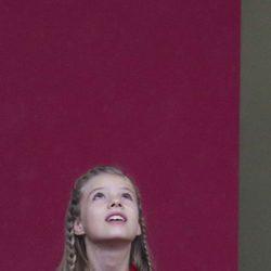 La Infanta Sofía mira al cielo en el Día de la Hispanidad 2016