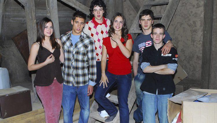 Los actores de 'El Internado' en una foto promocional