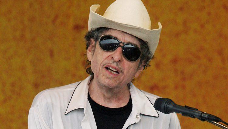 Bob Dylan durante su actuación en festival de Jazz de Nueva Orleans