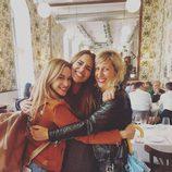 Marta Hazas, Cecilia Freire y Paula Echevarría fundidas en un abrazo