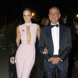Sandra Ibarra y Juan Ramón Lucas durante la X Edicion de los Premios Escaparate en Sevilla