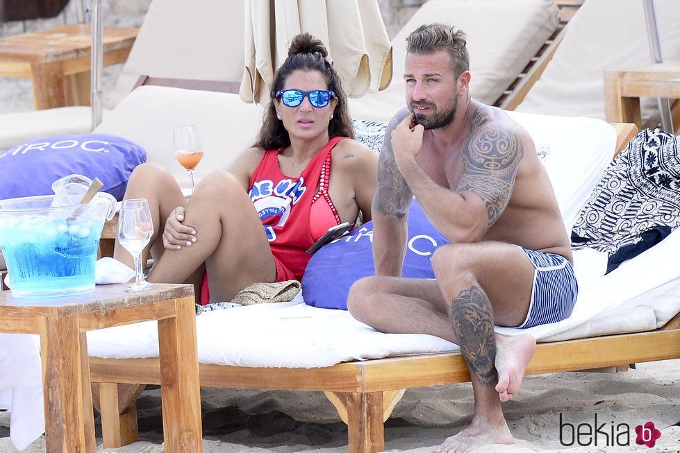 Raquel Bollo y Rafa Mora en las playas de Ibiza