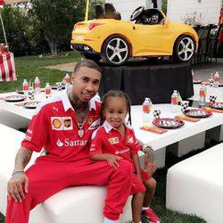 Tyga y su hijo King Cairo en la fiesta de cumpleaños del pequeño