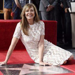 Allison Janney recibe su estrella en el Paseo de la Fama de Hollywood