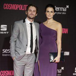 Raúl Arévalo y Melania Mazos en los Premios Cosmopolitan Fun Fearless Female 2016