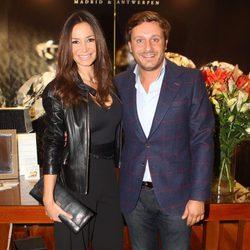 Cecilia Gómez y Juan Peña en un acto de la firma de joyería Moon Diamonds