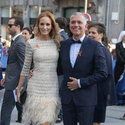 Juan Ramón Lucas y Sandra Ibarra en los Premios Princesa de Asturias 2016