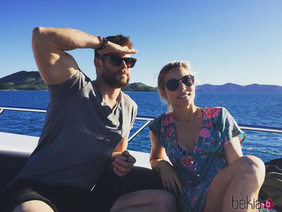 Chris Hemsworth desmintiendo los rumores de crisis con Elsa Pataky